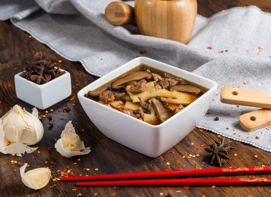 Ciorba de vita cu bambus si ciuperci Shiitake